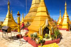 Die Shwe Phone Pwint Pagode thront über dem burmesischen Taunggyi