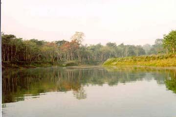 Mit dem Kanu auf dem Rapti Fluß, Chitwan National Park, Nepal