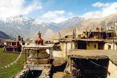 Blick ins Tal von Jharkot auf dem Annapurna Trek in Nepal