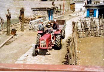 Traktor in Tukuche, Annapurna, Nepal