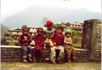 Kinder in Ghandruk, Annapurna, Nepal