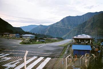 Landebahn des Flughafens von Lukla, Everest-Region, Nepal
