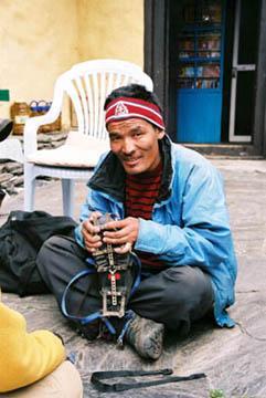 Vorbereitung einer Bergexpedition bei Chukhung, Everest-Region, Nepal