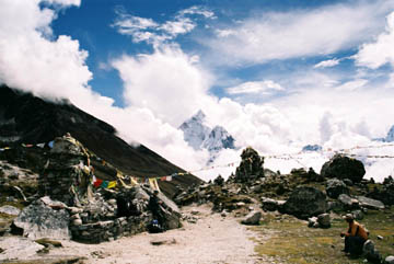 Duglha, Gedenkstätte der am Everest verstorbenen Sherpas, Everest-Region, Nepal
