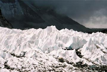 Khumbu Gletscher beim Everest Basecamp, Everest-Region, Nepal