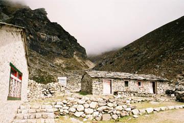 Dragnak, erste Ansiedlung nach dem Pass im Gokyo-Tal, Everest-Region, Nepal