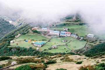 Blick auf die Viehweiden des Dorfes Dole, Everest-Region, Nepal