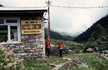 Mittagspause in Ghoratabela auf dem Langtang Trek in Nepal