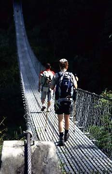 Die Hängebrücke hinter Tholu Syabru, Nepal