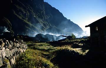 Langtang kurz nach Sonnenaufgang, Nepal