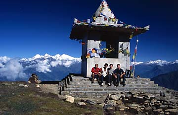 Gruppenfoto oberhalb von Laurebina, Nepal