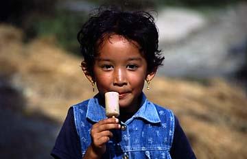 Kleine Schönheit in Nepal
