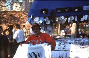 Souvenier-Verkäufer am Battery Park, New York