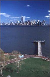 der Ausblick von der Freiheitsstatue auf Manhattan, New York