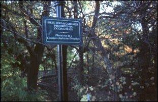 ein Schild im Central Park, Manhattan