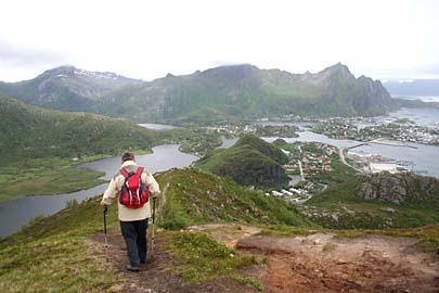 Abstieg vom Kjellbergtinten nach Svolvaer, Lofoten, Norwegen