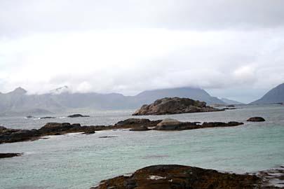 herrliche Küstenlandschaft an Str. 816 von Svolvaer nach Hennignvaer, Lofoten