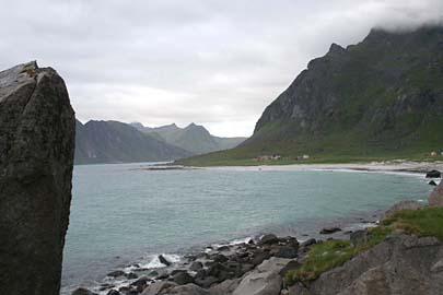 vom Hauklandstrand nach Utakleiv an der Atlantikküste, Lofoten, Norwegen