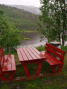 schöner Rastplatz im Regen, Vesterälen/Norwegen