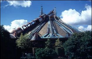Space Mountain im Disneyland Paris