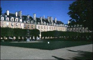 am Place des Vosges in Paris