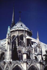 die berühmte Kirche Notre Dame in Paris