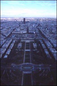 die Aussicht vom Eiffelturm in Paris