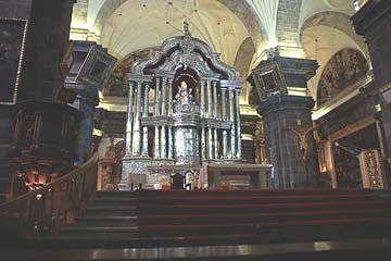 der Altar der Kathedrale von Cusco besteht aus 42 Tonnen Silber, Peru