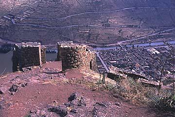 die Ruinenanlage von Pisaq oberhalb der Stadt und des heiligen Tals, Peru