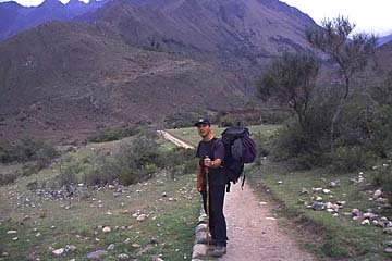 die ersten Meter auf dem Inka Trail nach Machu Picchu, Tag 1, Peru