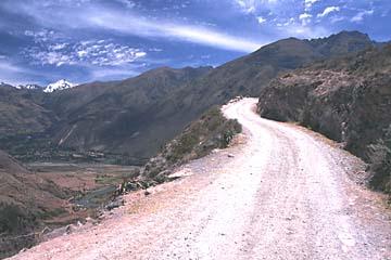 auf dem Weg zu den Salinen von Maras bei Cusco, Peru