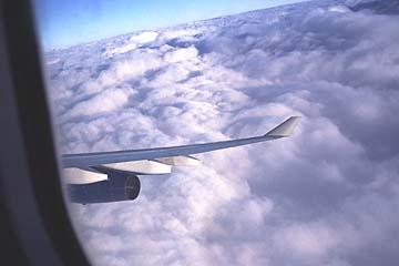 Sinkflug durch Wolken nach Frankfurt...