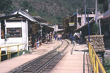 die Station vonAgua Calientes bei Machu Picchu, Peru