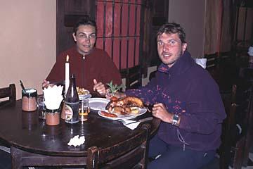 es gibt Cuy (Meerschweinchen) am letzten Abend in Cusco, Peru