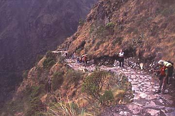 auf dem Inka Trail, Aufstieg zu den Ruinen von , Peru
