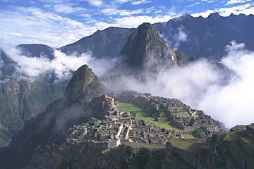 oberhalb des Hauptkomplexes von Machu Picchu, Peru