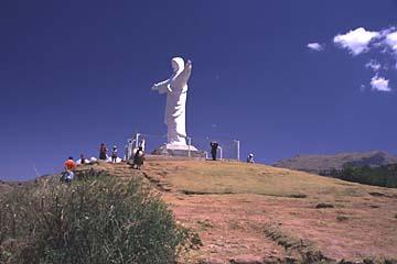 die Christus-Statue bei Saqsaywaman oberhalb von Cusco, Peru
