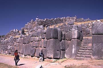 die Inka-Ruinen von Sacsaywaman bei Cusco, Peru