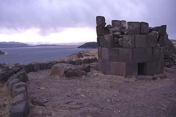 die Grabtürme von Sillustani bei Puno, Peru
