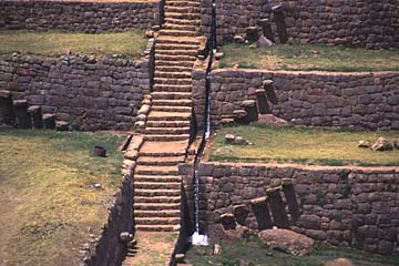 die Stufen der Inka-Anlage von Tipon bei Cusco, Peru