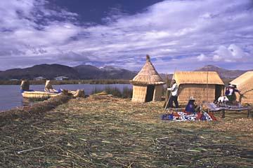 die Hauptinsel von Uros, die Isla Margareta ist für Besucher offen, Titikaka-See, Peru