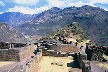 die weitläufige Ruinenanlage von Pisaq, Peru