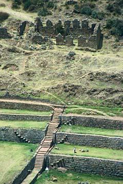 die Terassen der Anlage Tipon bei Cusco, Peru