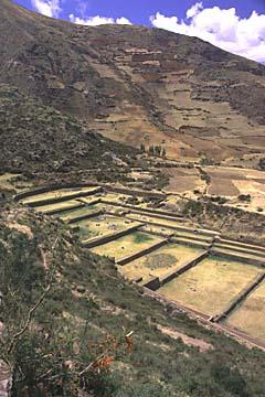 die weitläufige Anlage von Tipon bei Cusco, Peru