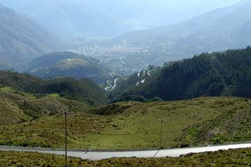 Serpentinen bei Abancay auf dem Rückweg nach Nasca, Peru