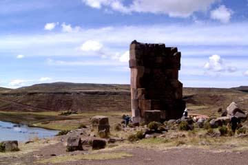 die Grabtürme von Sillustani in der Nähe von Puno in Peru
