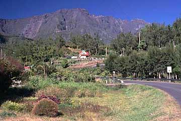 der Ortsanfang von Hellbourg, Cirque de Salazie, Réunion