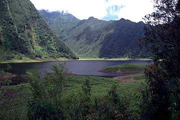 Ausblick vom Aussichtspunkt über dem Grand Etang, Réunion