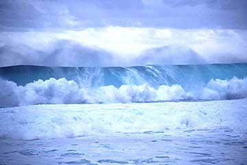 die Brandung am Strand von La Réunion, indischer Ozean, Frankreich