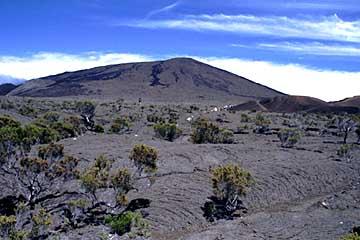 der Piton de la Fournaise in der Mittagssonne, Réunion